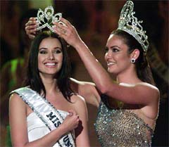 Miss Russia Oxana Fedorova is crowned Miss Universe