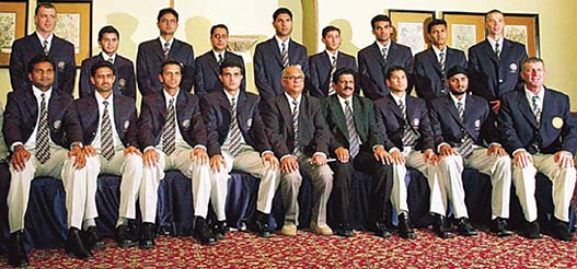 http://www.tribuneindia.com/2003/20030209/spectrum/indian%20cricket%20team.jpg