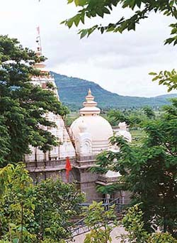 The Vajreshwari temple is a relic of Maratha glory