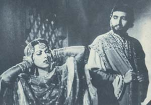 Suraiya with Bharat Bhushan in a scene from Mirza Ghalib