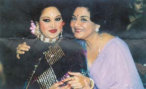 The singing star is seen here with Tabassum
