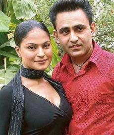Pakistani actress Veena Malik and Punjabi singer Sarabjit Cheema, who