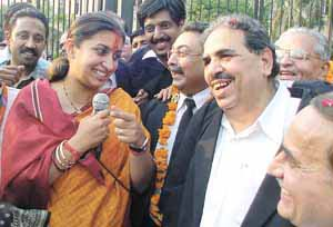 Lawyers came out in support of BJP Chandni Chowk candidate Smriti Irani during a padayatra in the Capital on Wednesday.