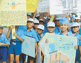 essay on rajiv gandhi akshay urja diwas Nation will celebrate 'rajiv gandhi akshaya urja diwas' tomorrow this effective and far-reaching mass awareness campaign about renewable energy is organised every year to commemorate the birth anniversary of former prime minister, late rajiv gandhi as 'rajiv gandhi akshay urja diwas' on august 20 every year since 2004 all over the country .