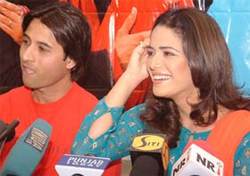 Armaan Suri Apoorva Agnihotri with Jassi Mona Singh while addressing a press conference in Amritsar