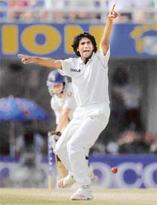Munaf Patel had a dream debut in the Mohali Test