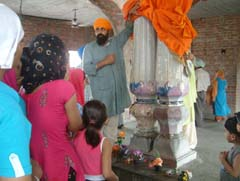 The two pillars in Jhulna Mahal Gurdwara symbolise the meeting of Guru Arjun Dev  with Guru Hargobind Sahib. Photo by Rajiv Sharma