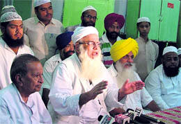 Shahi Imam of Punjab pleads for peace in Ludhiana on Tuesday