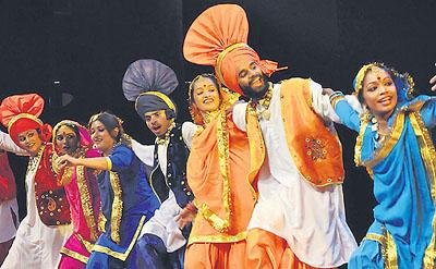 Indian Folk Dance Forms Indian Folk Dances Enticed