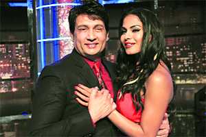 Shekhar Suman with Pakistani actress Veena Malik on the sequel of Movers and Shakers