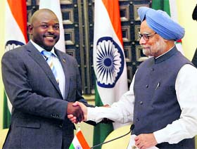 PM Manmohan Singh with Burundi President Pierre Nkurunziza after the joint press conference at Hyderabad House in New Delhi on Tuesday.