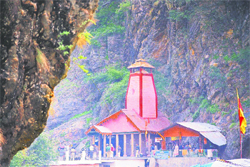 A view of Kedarnath Temple that closed for winter on Thursday; and (below) Yamunotri Temple