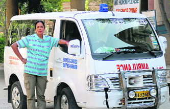 manjit kaur who works as a private ambulance driver in jalandhar