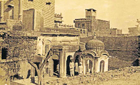 The photograph of an old structure in Wazirabad, which was the city of Banda's in-laws. His wife Sahib Kaur is said to have belonged to this place