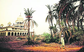 Chhapar Chiri: The present-day gurdwara is on the edge of the historic battlefield. The battle took place on May 12, 1710