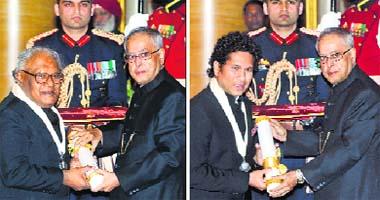 Top honour: Scientist CNR Rao and cricket legend Sachin Tendulkar receive country's top civilian honour Bharat Ratna from President Pranab Mukherjee at Rashtrapati Bhavan in New Delhi on Tuesday