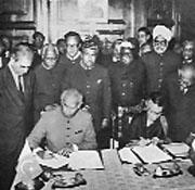 Mrs Indira Gandhi and Zulfikar Ali Khan Bhutto signing the Shimla Agreement.